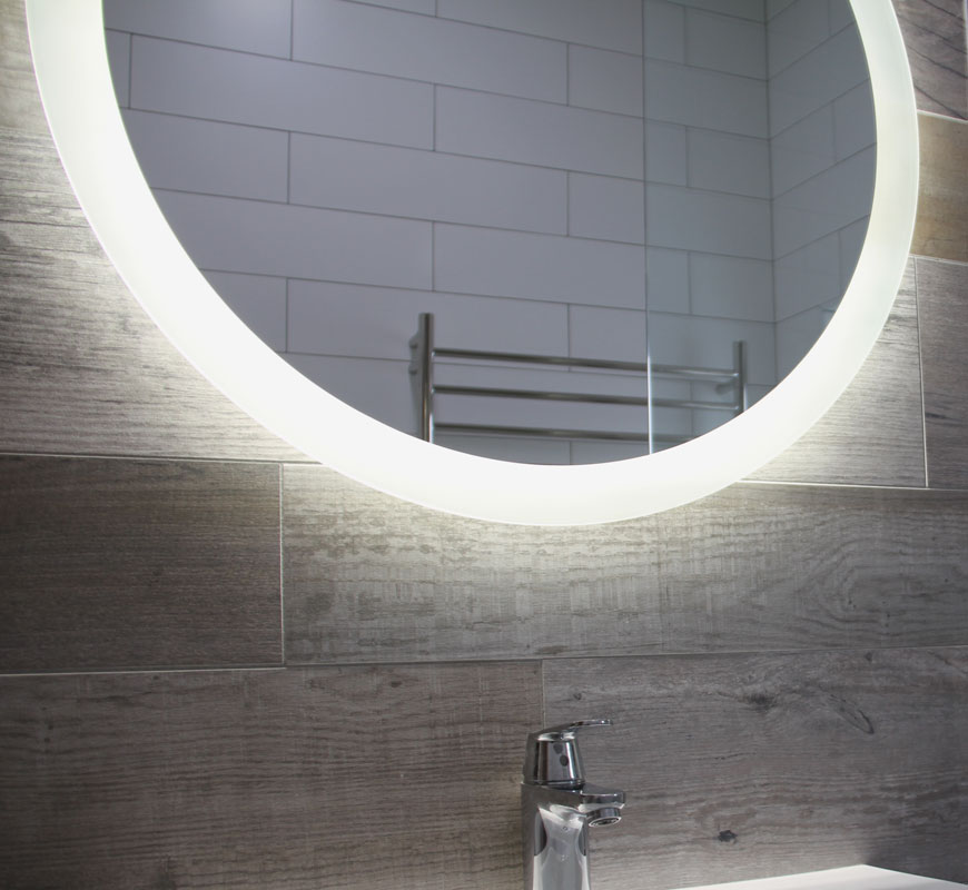 Round Reverb Bathroom Lighted Mirror